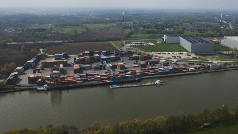 Albertkanaal containerterminal BCTN Meerhout afwaarts