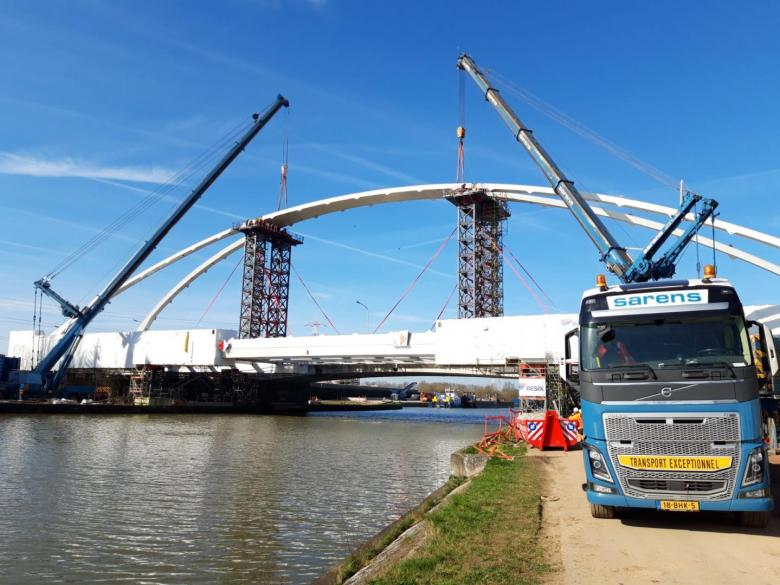 plaatsing nieuwe brug massenhoven