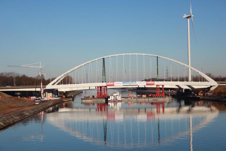 Invaren tijdelijke brug